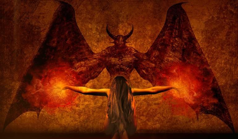 invocando al demonio