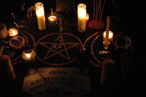 oracion satanica para atraer mujer